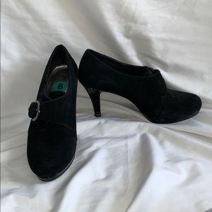 Anne Klein black heeled bootie